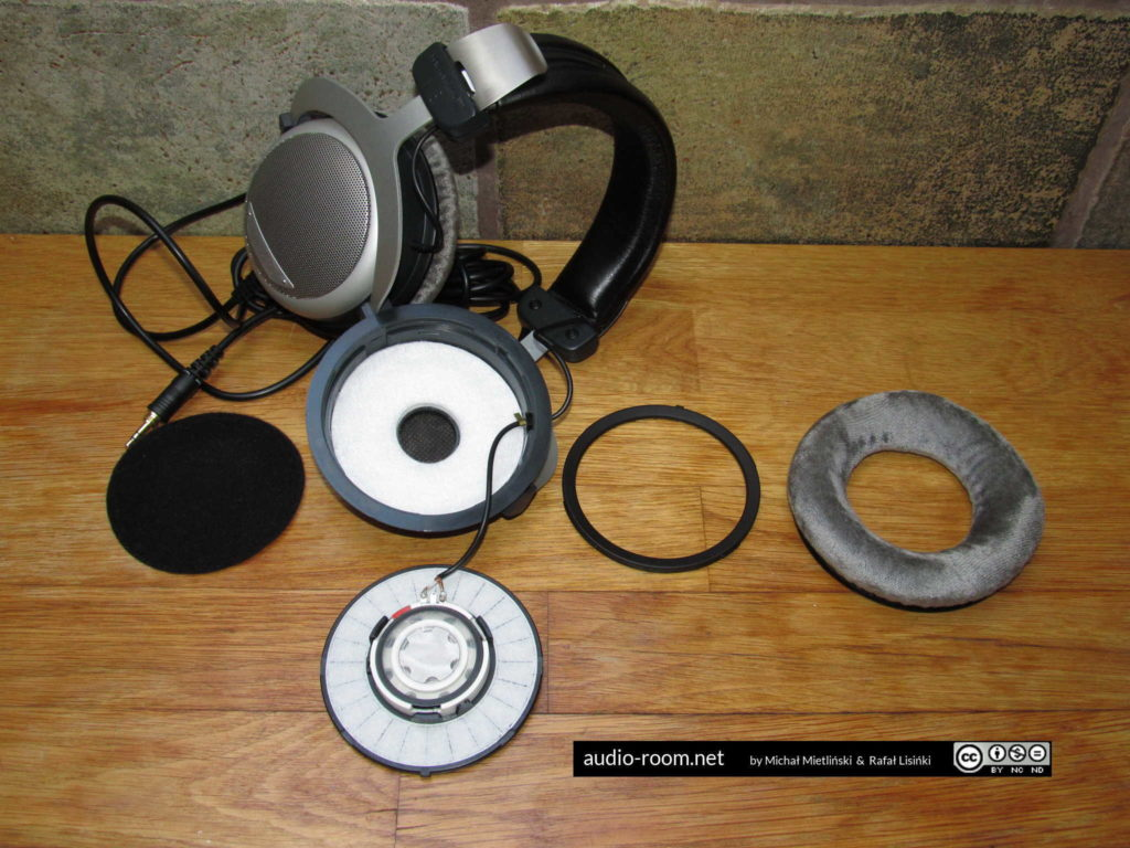 Beyerdynamic DT 880 PRO disassembled