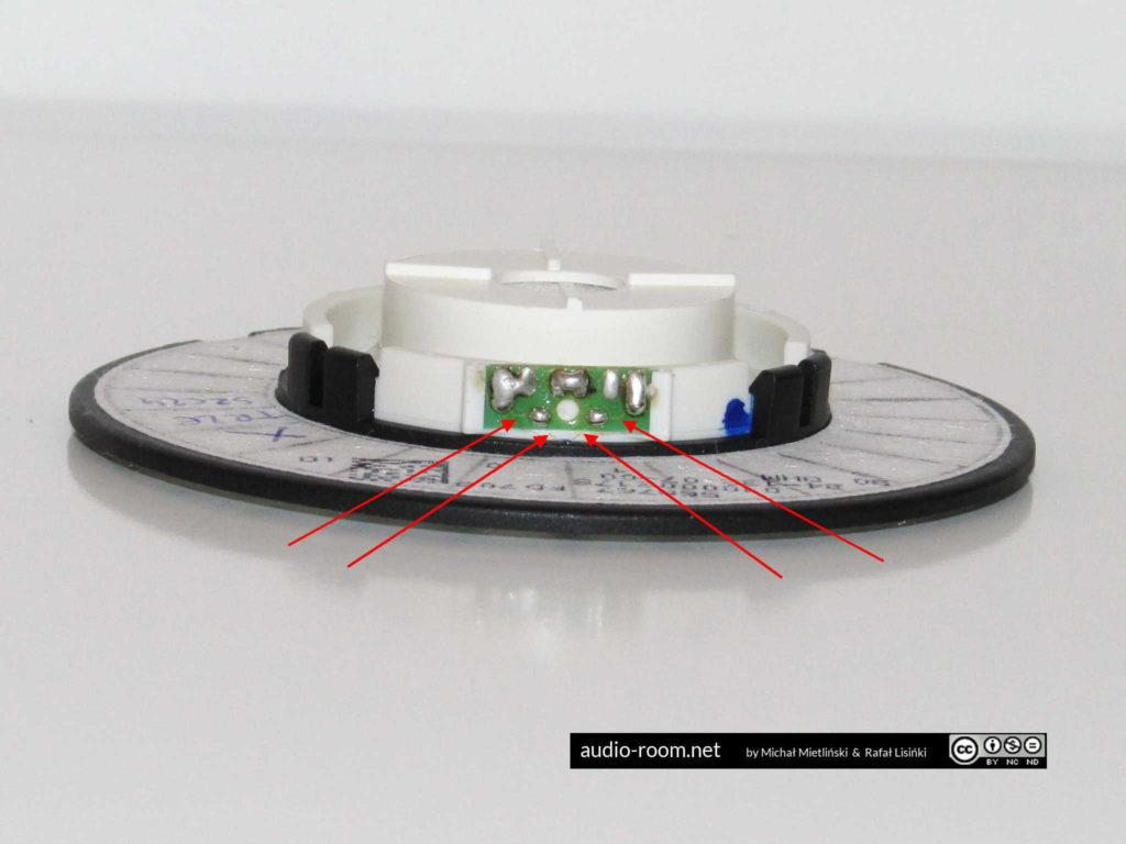 Tiny wires that often lose contact, newer type of driver / Cienkie druciki które często tracą kontakt, nowszy typ przetwornika